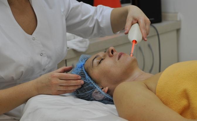 Консультация косметолога и дерматолога на Оболони