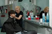 """Детская стрижка волос в салоне красоты """"Dissar"""" на Оболони"""